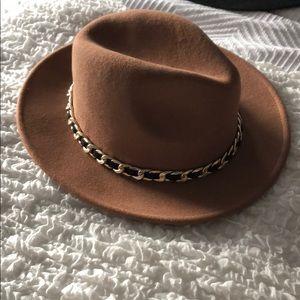 Zara fedora hat with gold chain